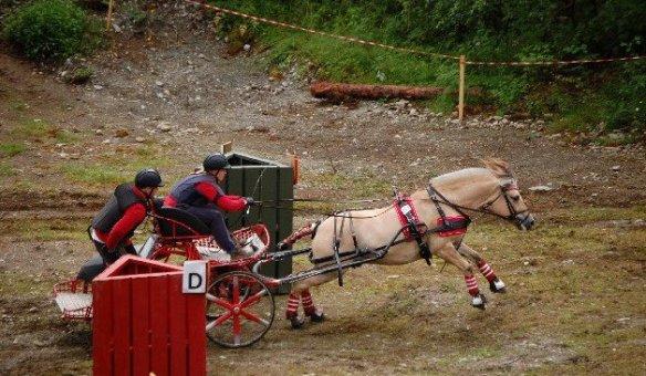 Stine Anette Heier og Balder Berger startet på vinnerlaget til OAFL under NM på Voss i 2012